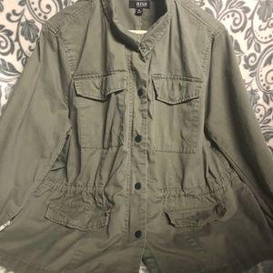 Light weight anoraks jacket.
